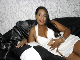 Alainne virtual live sex chat