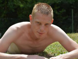 Fafa69 online masturbating show